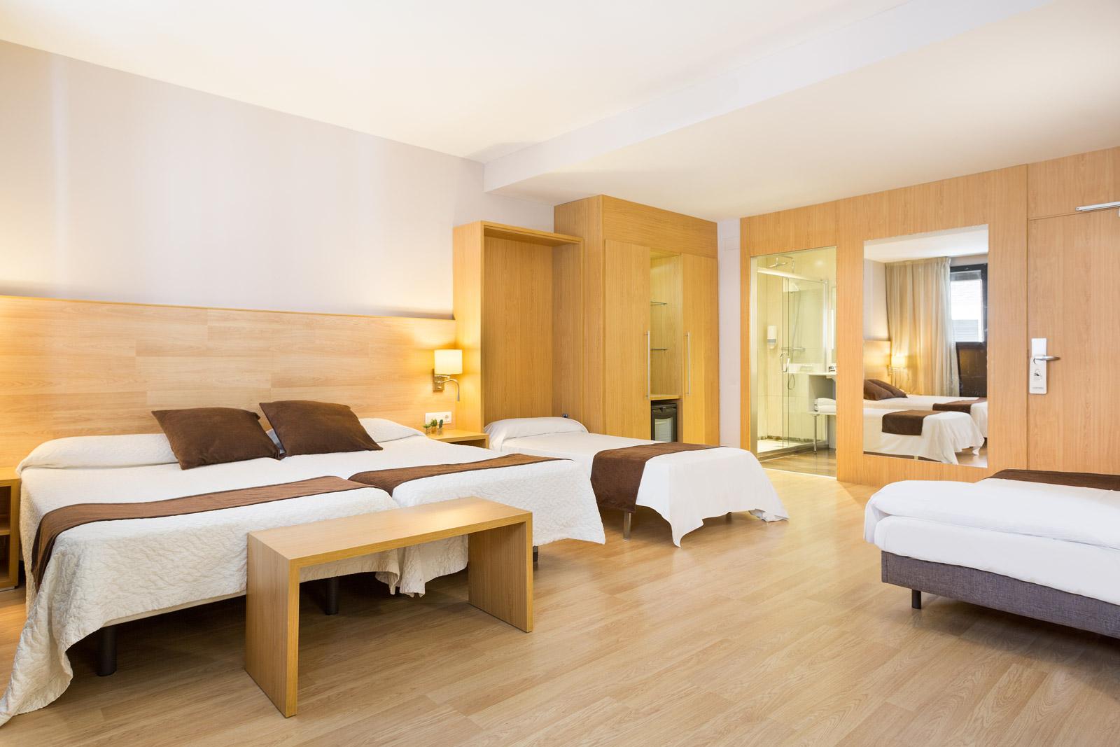 HOTEL_AZUL_HABITACIÓN_CUADRUPLE_C4T_02