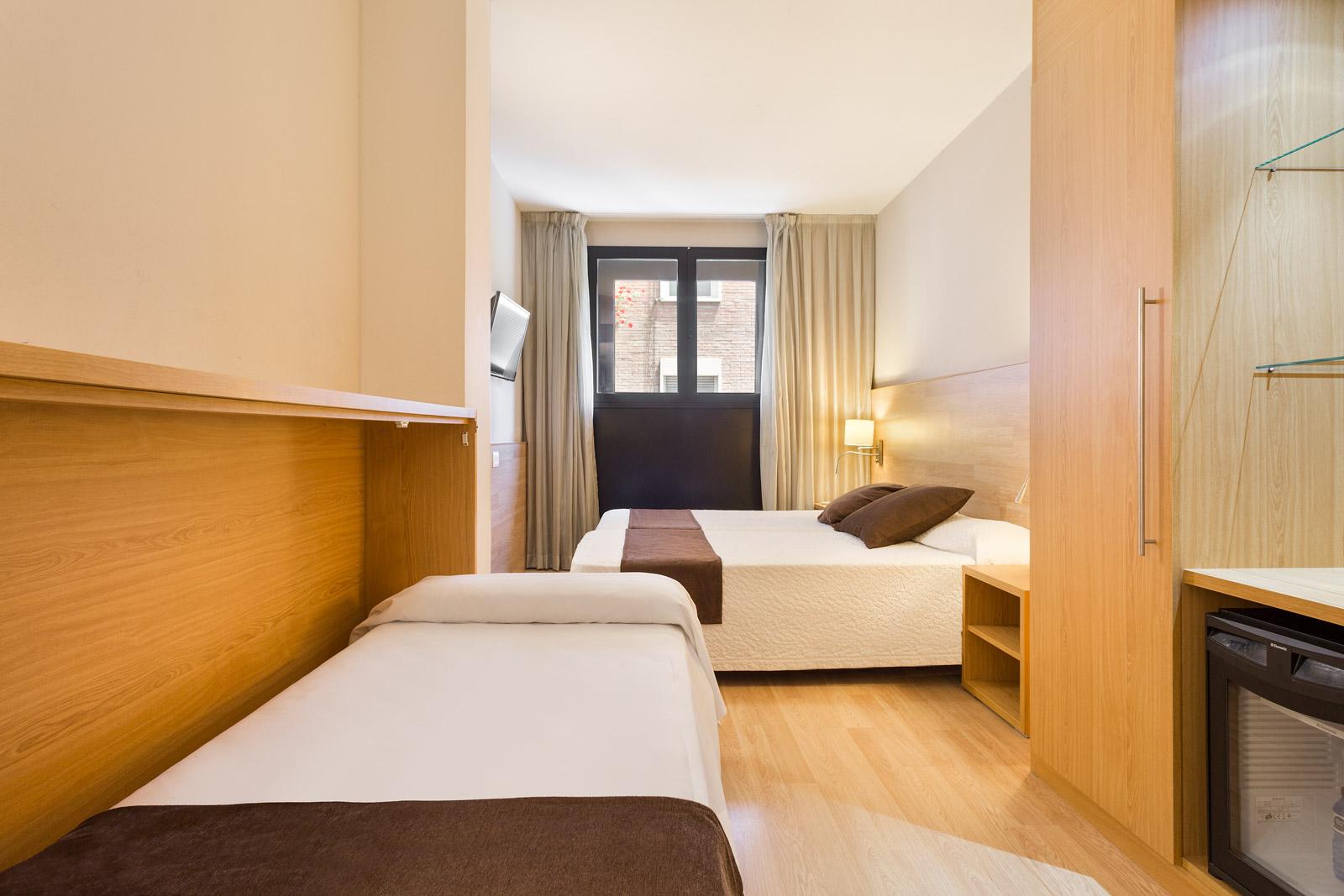 HOTEL_AZUL_HABITACIÓN_TRIPLE_C1Q_02